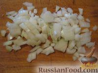 Фото приготовления рецепта: Свиная печень под сметаной - шаг №4