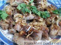 Фото к рецепту: Куриная печень с луком