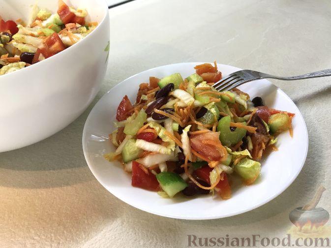Фото приготовления рецепта: Салат из краснокочанной капусты с яблоком, имбирём и медово-горчичной заправкой - шаг №6