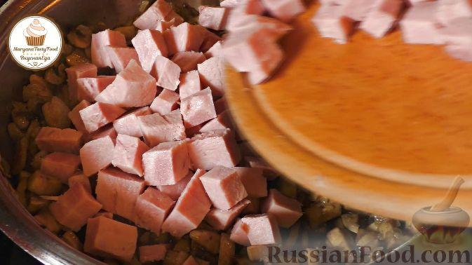 Фото приготовления рецепта: Картошка, тушенная с куриными сердечками - шаг №10