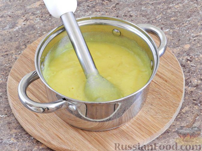 Фото приготовления рецепта: Суп-пюре из цветной капусты с шампиньонами - шаг №11