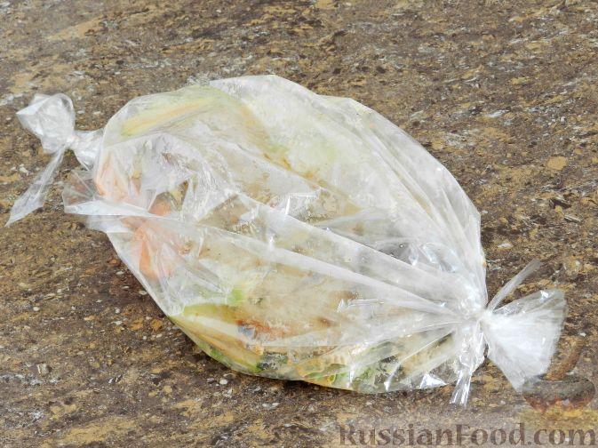Фото приготовления рецепта: Свиные отбивные в кляре на минеральной воде - шаг №13