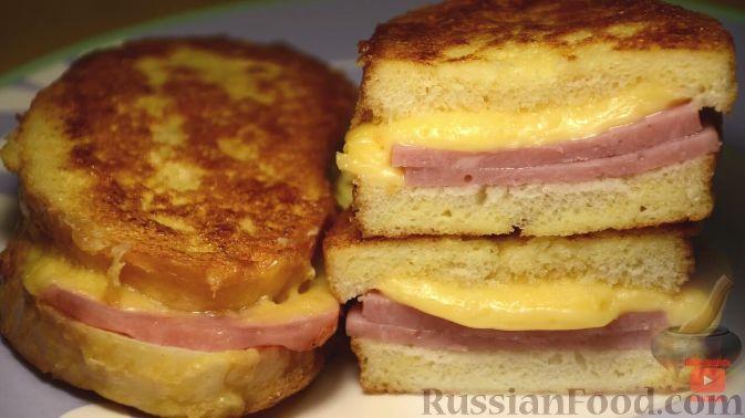 Фото приготовления рецепта: Жареная картошка с курицей и салом - шаг №5