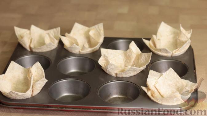 Фото приготовления рецепта: Картошка, тушенная с куриными сердечками - шаг №5