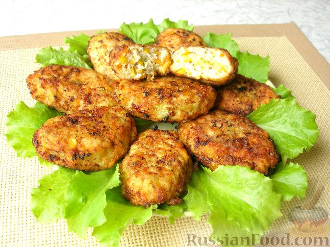 Фото приготовления рецепта: Гречка со сметаной, яйцами и грибами - шаг №9