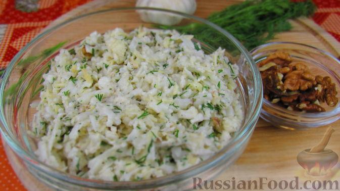 Фото к рецепту: Салат из свежей цветной капусты
