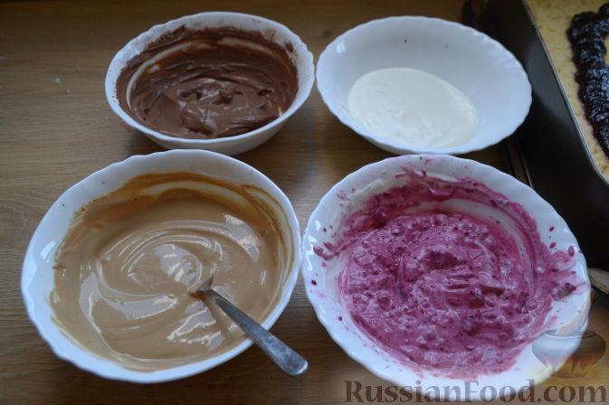 Фото приготовления рецепта: Дрожжевые булочки-завитки с грушей и корицей - шаг №9