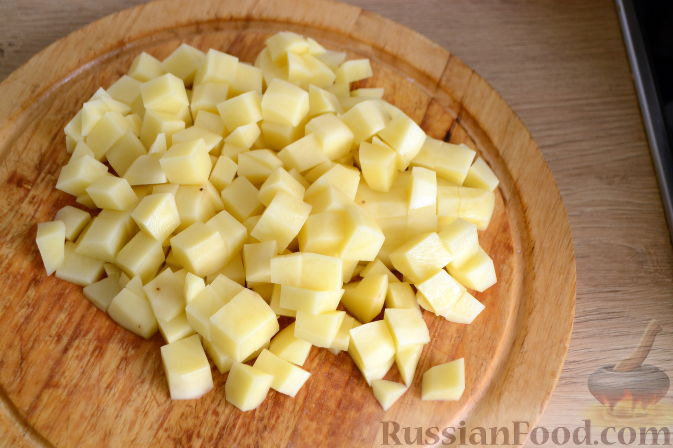 Фото приготовления рецепта: Суп с куриными сердечками - шаг №5