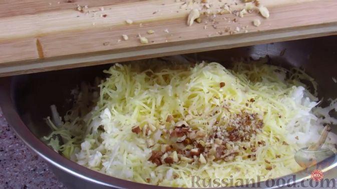 Фото приготовления рецепта: Салат из свежей цветной капусты - шаг №3