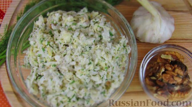 Фото приготовления рецепта: Салат из свежей цветной капусты - шаг №6