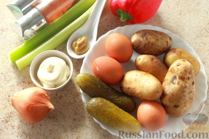 Фото приготовления рецепта: Рассольник с рыбой и рисом - шаг №2