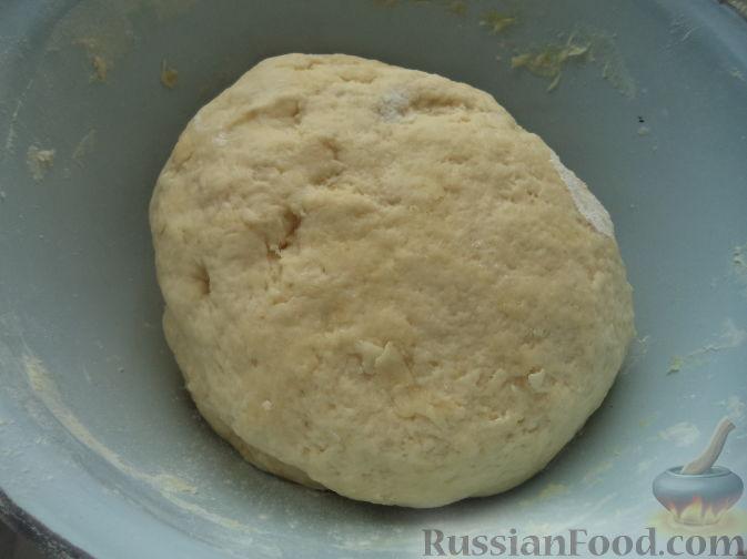 Фото приготовления рецепта: Песочный пирог с баклажанами, грибами и сыром - шаг №3