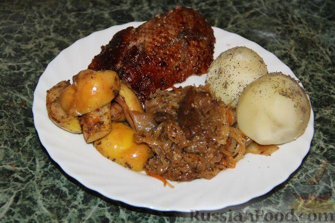 Рецепт Утка с яблоками и квашеной капустой