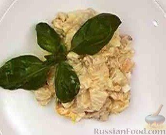Рецепт Салат из курицы с ананасом и грибами