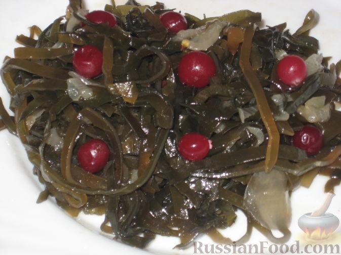 Рецепт Салат из морской капусты с клюквой