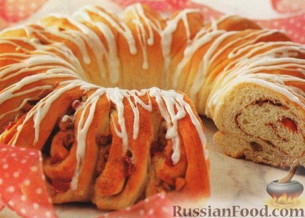 Рецепт Рулет с орехами, корицей и вишнями