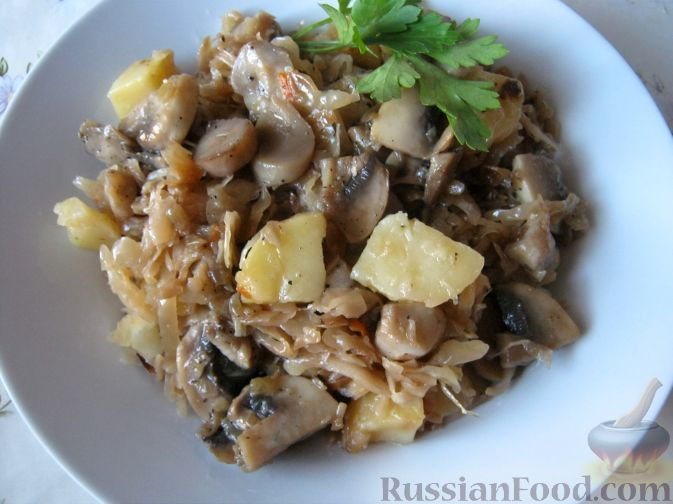 Рецепт Капуста кислая тушеная с грибами