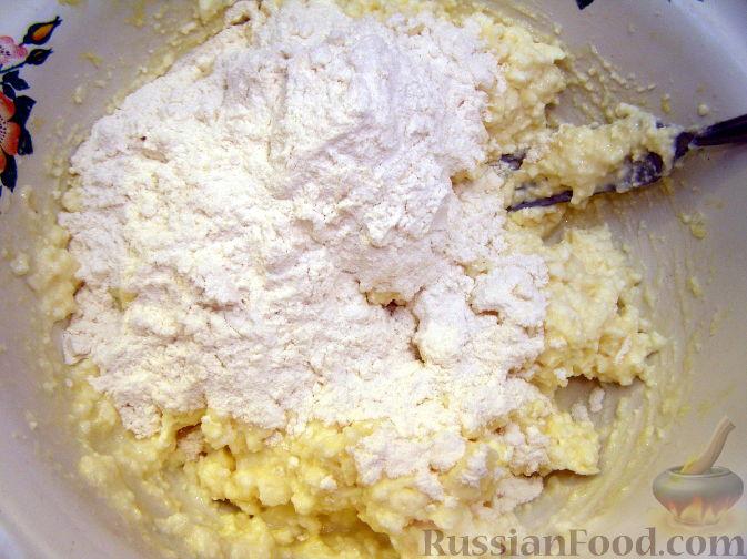 Фото приготовления рецепта: Белый чесночный соус - шаг №2