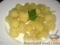 Фото к рецепту: Острый закусочный салат из цветной капусты