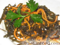 Фото к рецепту: Морская капуста с морковкой по-корейски