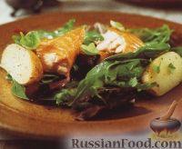 Фото к рецепту: Картофель с копченым лососем и салатными листьями
