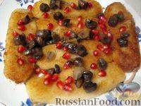 Фото к рецепту: Картофельные котлеты с грибами и гранатом