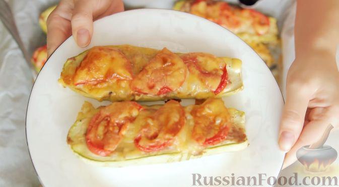 Фото приготовления рецепта: Яблочно-сливовый крамбл с овсяными хлопьями - шаг №1