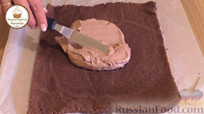 Фото приготовления рецепта: Шоколадный пирог со свёклой - шаг №6