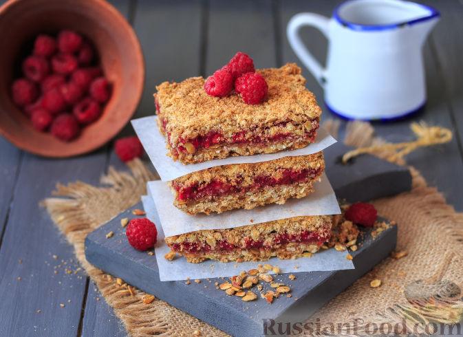 Фото приготовления рецепта: Овсяное печенье с малиной - шаг №12