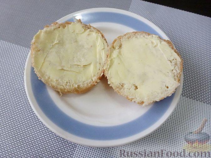 Фото приготовления рецепта: Горячий бутерброд с фруктами - шаг №6