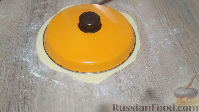 Фото приготовления рецепта: Творожный торт на сковороде - шаг №9