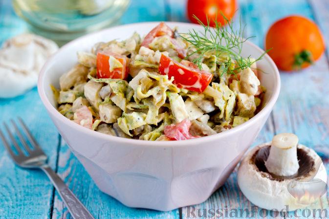 Фото приготовления рецепта: Салат с запеченным куриным филе и яичными блинчиками - шаг №15