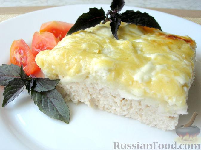 """Фото к рецепту: Сочная куриная запеканка """"Неженка"""" с яблоками и сыром"""