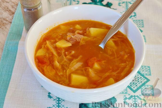 Фото приготовления рецепта: Ирландский суп с капустой и беконом - шаг №11