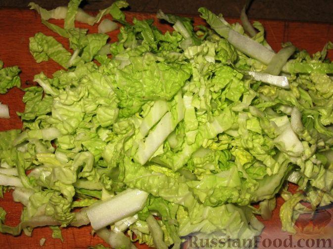 Диетический салат из пекинской капусты с