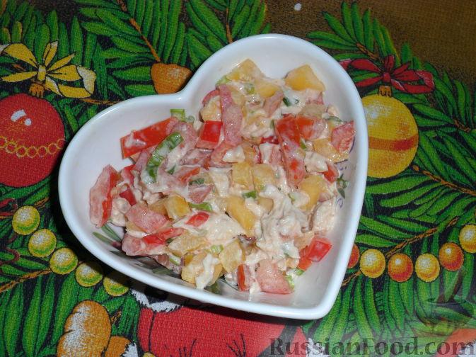 Рецепт Салат овощной с манго и куриным филе