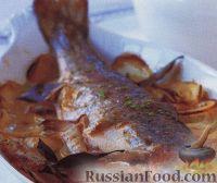 Фото к рецепту: Форель, запеченная с картофелем и фенхелем