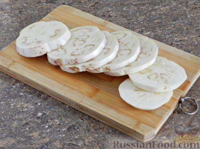 Фото приготовления рецепта: Отбивные из баклажана - шаг №2