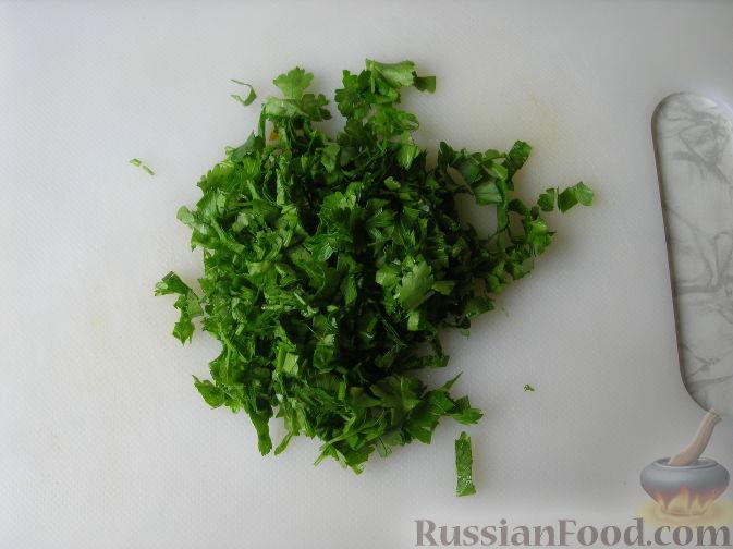 Фото приготовления рецепта: Картофель, тушенный с сосисками и фасолью - шаг №9