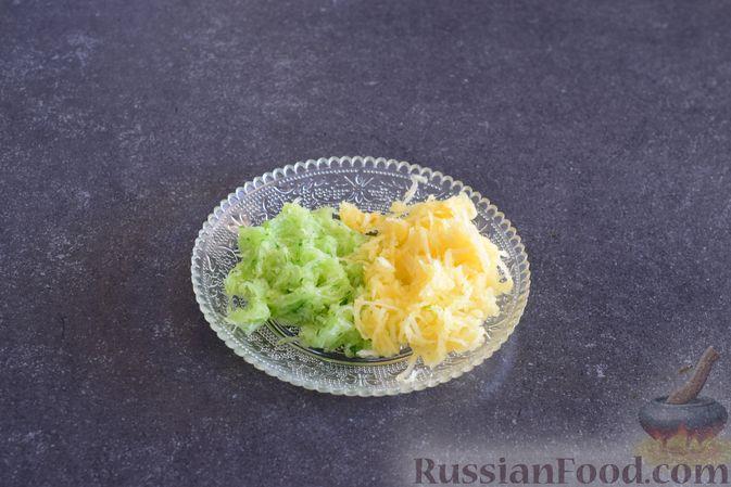 Фото приготовления рецепта: Закуска из ветчины и сыра с соусом из хрена - шаг №3
