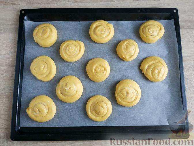 Фото приготовления рецепта: Тыквенные синнабоны - шаг №12
