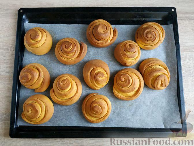 Фото приготовления рецепта: Тыквенные синнабоны - шаг №15