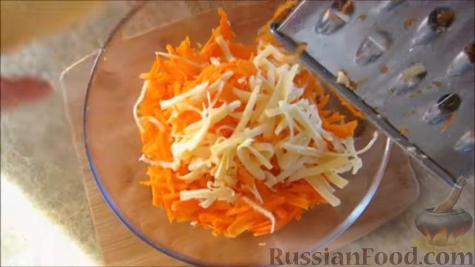Фото приготовления рецепта: Морковный салат с ананасами - шаг №2