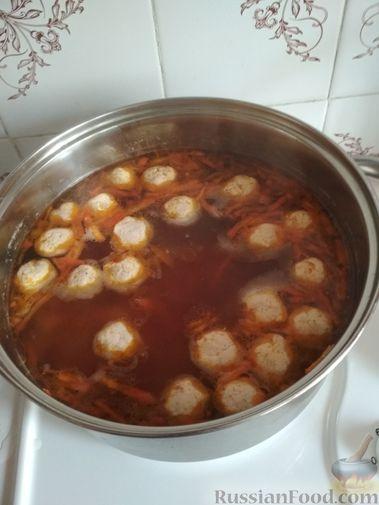 Фото приготовления рецепта: Грибной суп с клецками - шаг №22