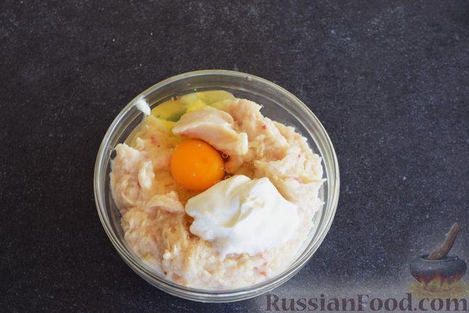 Фото приготовления рецепта: Щи с курицей и капустой - шаг №12