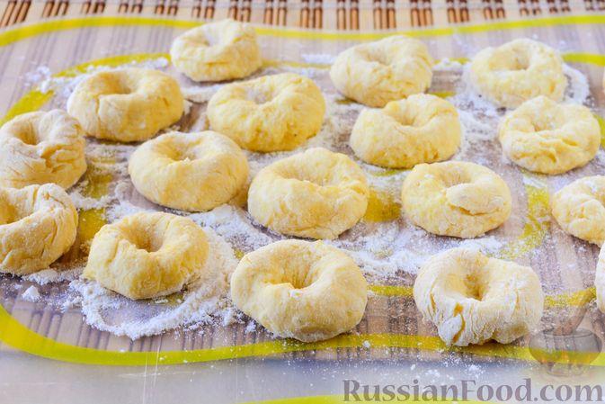 Фото приготовления рецепта: Ленивые вареники с картошкой и тыквой - шаг №9