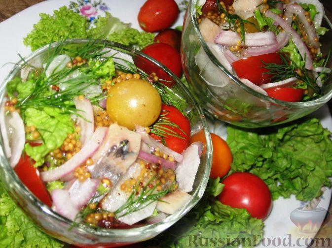 Рецепт Салат с сельдью и помидорами