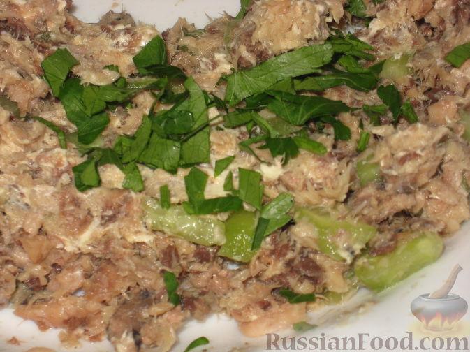 Фото приготовления рецепта: Картофель, тушенный с сосисками и фасолью - шаг №8