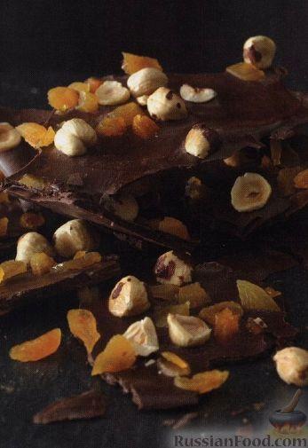 Рецепт Черный шоколад с орехами и курагой