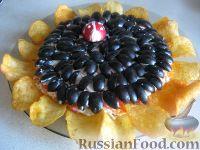 Фото к рецепту: Салат «Подсолнух» с крабовыми палочками